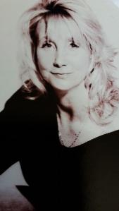 Sarah Barton Author Image (002)